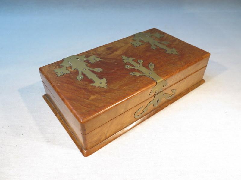ancienne boite coffret en loupe de noyer bijoux cigares cigarettes ebay. Black Bedroom Furniture Sets. Home Design Ideas