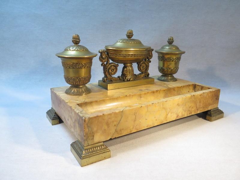 ancien encrier de bureau en marbre et bronze epoque. Black Bedroom Furniture Sets. Home Design Ideas