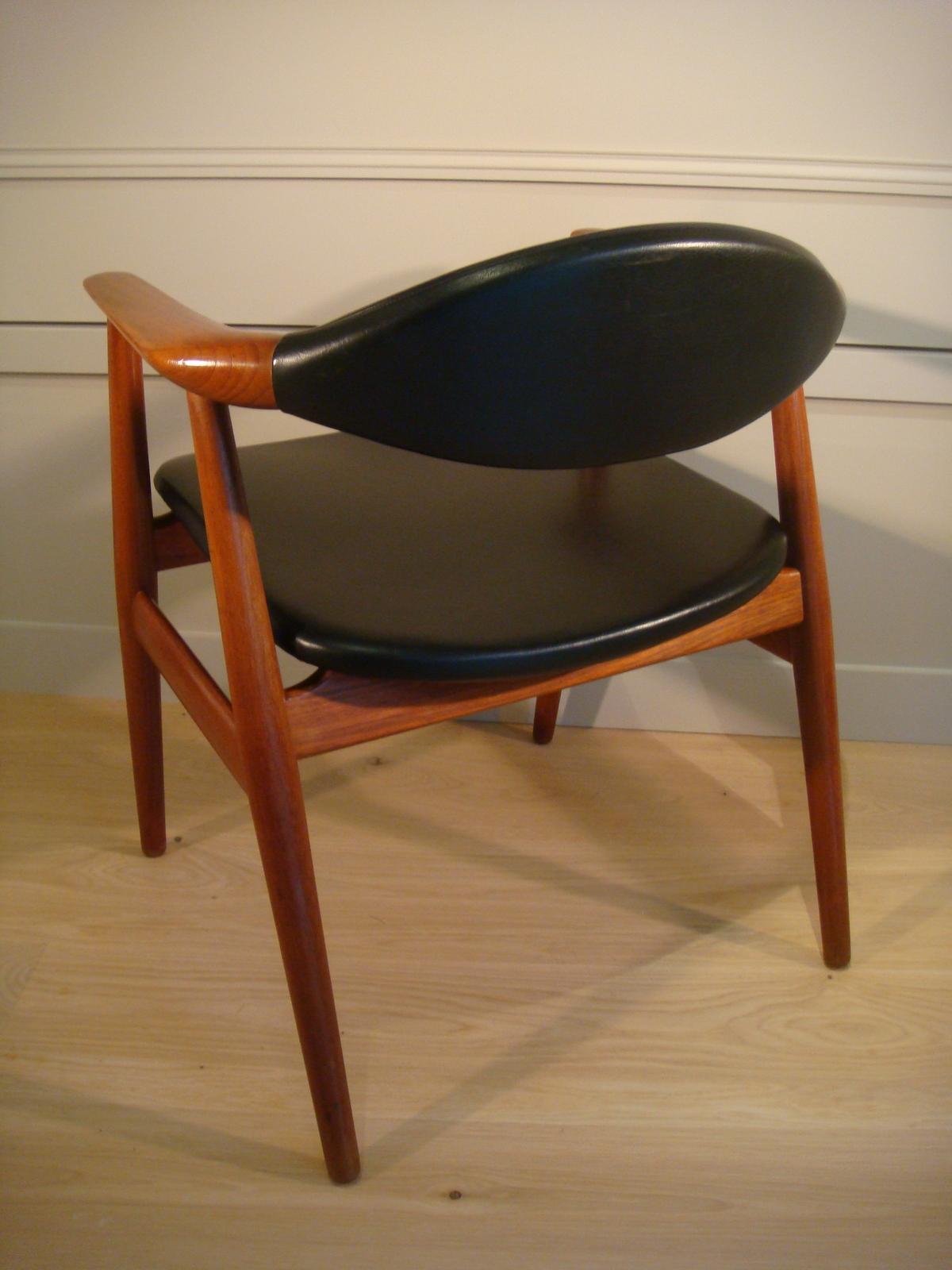 fauteuil de bureau scandinave remparts antiquit s. Black Bedroom Furniture Sets. Home Design Ideas